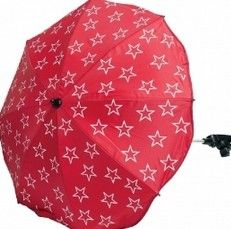 Emma päivänvarjon voit kiinnittää rattaisiin lisäsuojaa antamaan. Ihana punatähti! Emma / lastenverkkokauppa.fi