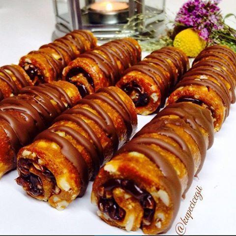 Karamelli Çikolatalı Bisküvili Rulo
