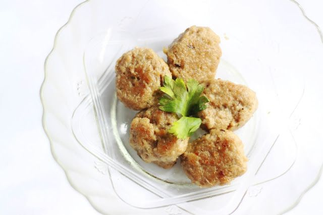 Wholewheat Meatball Recipes for Toddler and Kids. Even picky eaters won't resist this. www.lifeatarcilland.com