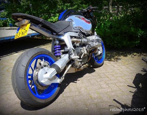 www.marktplaats.nl/motoren-bmw/bmw-r1100s-special-streetfighter-eigenbouw     Origineel: BMW R1100S   Bouwjaar...