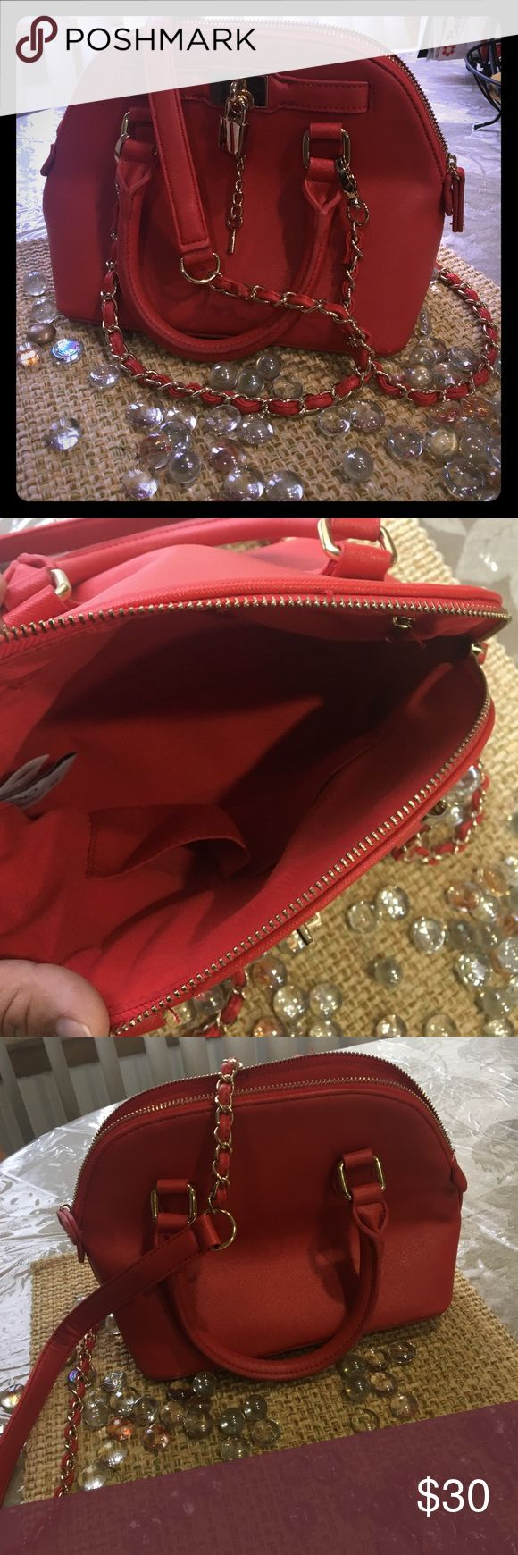 Cute Aldo purse!! Small, yet big enough to carry all your needs!! Red aldo purse. Hardly used!! Some strings hanging from zipper area, but still in great condition!! If interested, please make reasonable offers!! 😘 Aldo Bags