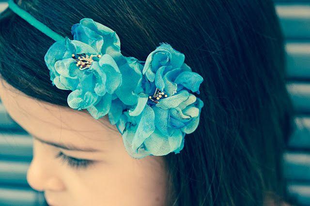 Mimi et petit Loup: DIY-Serre-tête Fleurs Bleues en tissu avec support...