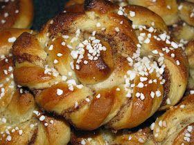 Hela Sverige bakar bakade sötebröd i veckan som gick, allt från bullar i paradbaket till wienerbröd i utmaningen, själv har jag bakat kane...