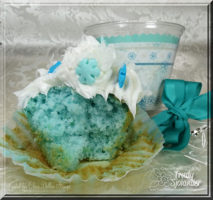 Really Reasonable Ribbon's Ramblings!: Easy Cupcake Presentation With Blue Hawaii Cupcake Recipe