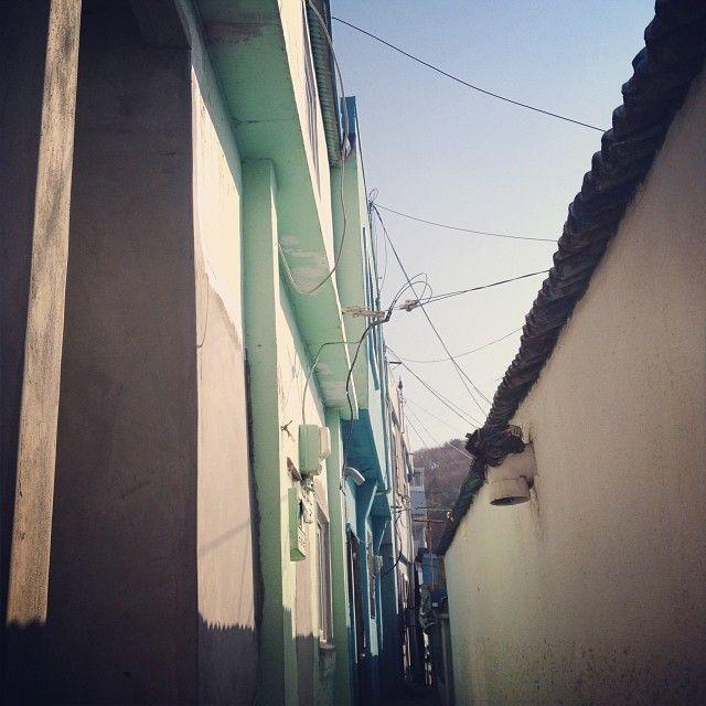kosomee / #부산 #감천문화마을 / #골목 여기서 일년만 살고싶 / 부산 사하 감천 / #골목 #길 #설비 / 2014 01 06 /