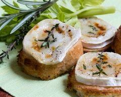 Toasts au chèvre (facile, rapide) - Une recette CuisineAZ