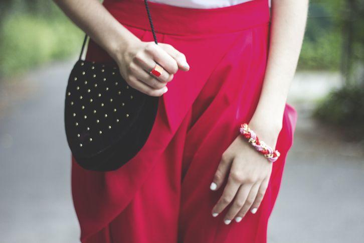 Pink details, pink harem pants | photo by Alex C.D. | FASHION IS MY RELIGION | www.fashionismyreligion.ca