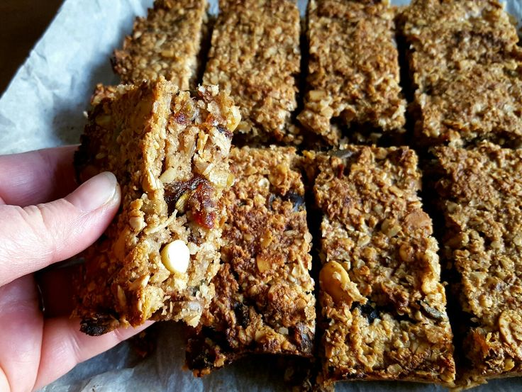 Tasty? Check! Nutritious? Check! Easy to make? Check! Well, let's get these bad boys baked then! I give you Banana Flapjacks: http://thefatfoodie.co.uk/2017/01/08/banana-flapjacks/ #thefatfoodie #flapjacks #bananaflapjacks #healthyfood #vegan #vegetarian #veganrecipes #dairyfree
