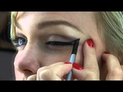 Retro Look with Black Wing Tip eyeliner and classic red lips