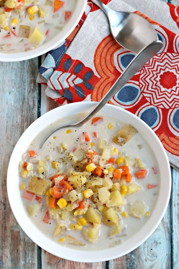 Vegan Potato Corn Chowder is a delicious creamy soup that's made in the Instant Pot. It's gluten-free, dairy-free, and oil-free, and easy to make with simple ingredients. #instantpot #soup #chowder #vegan #oilfree #glutenfree #dairyfree via @VeggiesSave