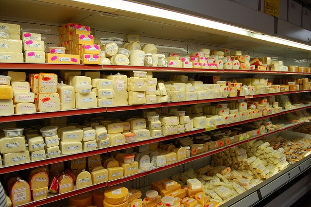 Osceola Cheese Company in Missouri -- 200 flavors of cheese and you can sample!