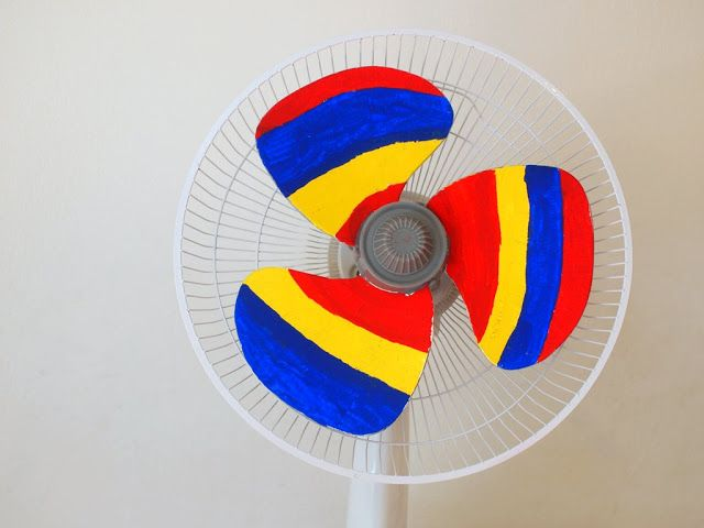 Hand painted to make a rainbow fan.  Love this <3