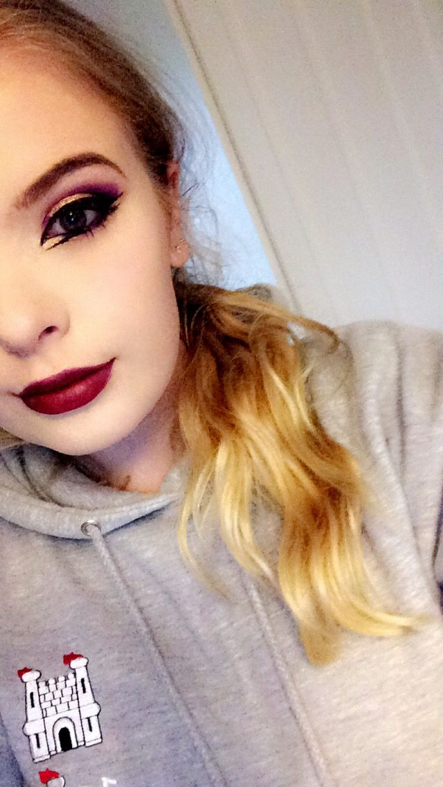 Purple and gold Bold eyeliner