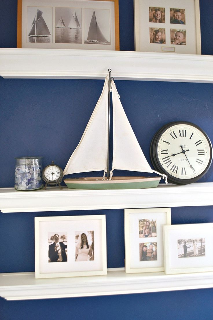 How to create a gorgeous navy blue accent wall in bedroom + get PERFECT edges.  Stunning!  #FrogTape #ad