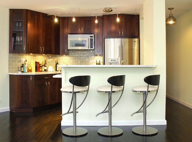 I would go insane if my kitchen was this small but I like the cabinets