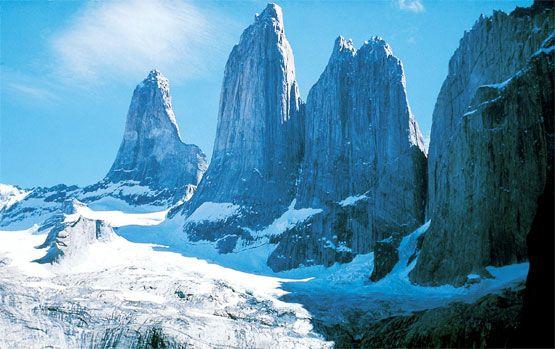 Impresionante vista de las torres en inverno.