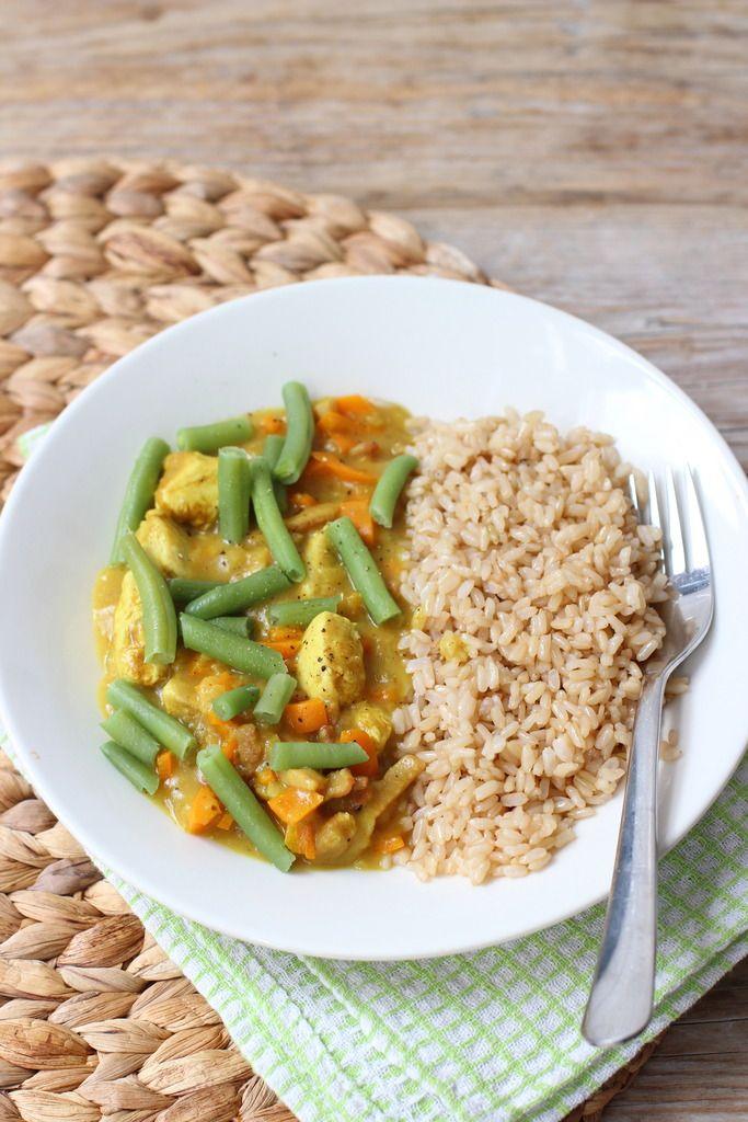 Rijstschotel met spekjes, kip en sperziebonen