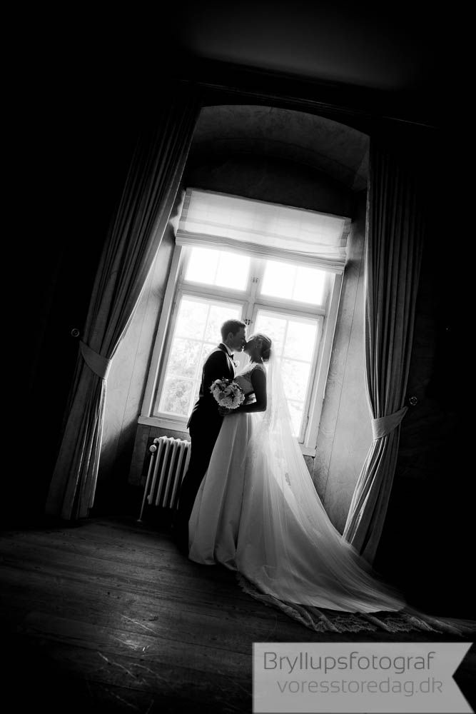 'm told it takes around 250 hours to plan a wedding, and it's no surprise when you ... Here's some advice on a few of those little wedding details