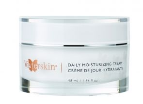 Daily Moisturizing Cream is ideal for all skin types. This oil-free, hypoallergenic and non-comedogenic medical grade daily facial moisturizer is enriched with antioxidants and essential moisturizers to help increase skin's smoothness while helping diminish the appearance of fine lines and wrinkles.