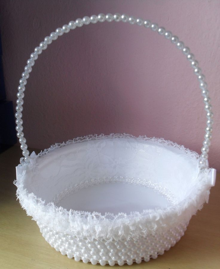 Cesta Florista para Casamento pérola branco. <br>Tamanho: <br>19 cm de diâmetro <br>5 cm de profundidade <br>21 cm de altura