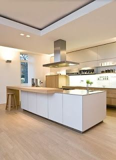 Ecomanta: Modern Kitchen with Islands