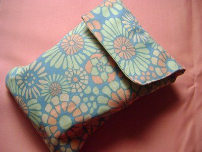 """Diaper Clutch Tutorial - Made this..in conjunction with a few other tutorials. Super simple, we also made a smaller one as a """"on the go"""" bag for snacks and such. Applique and a cute closer..imagine the possibilities."""