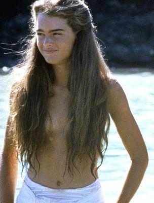 Brooke shields blue lagoon bikini pics