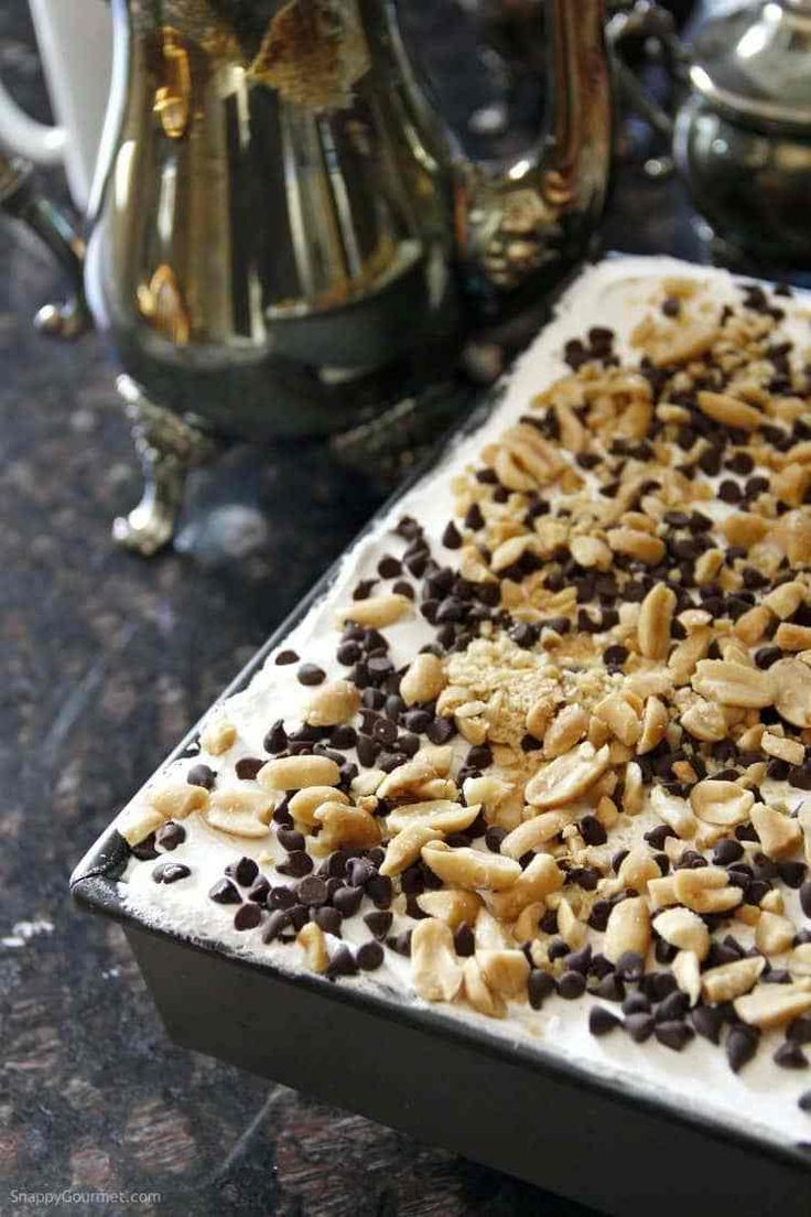 No Bake Chocolate Peanut Butter Lasagna - easy chocolate lasagna dessert recipe with easy pudding fillings and graham crackers. SnappyGourmet.com