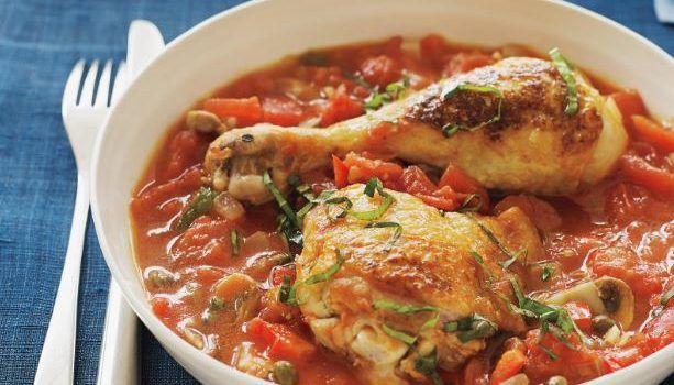 Κοτόπουλο κοκκινιστό με καρότα και μανιτάρια