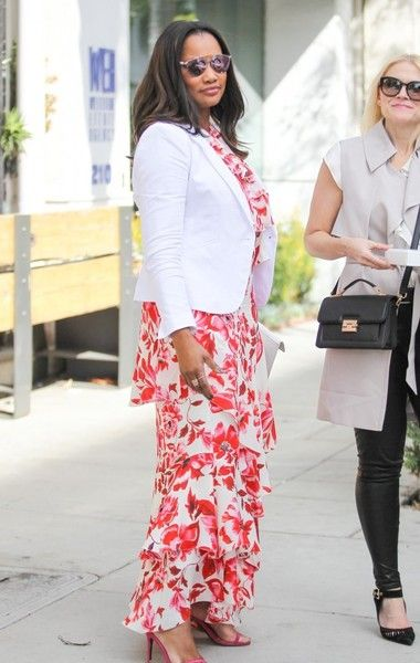 Garcelle Beauvais Photos - 'The Jamie Foxx Show' actress Garcelle Beauvais was spotted grabbing lunch with friends in Beverly Hills, California on May 20, 2016. She wore a floral dress, white blazer, and pink heels. - Garcelle Beauvais Grabs Lunch With Friends In Beverly Hills