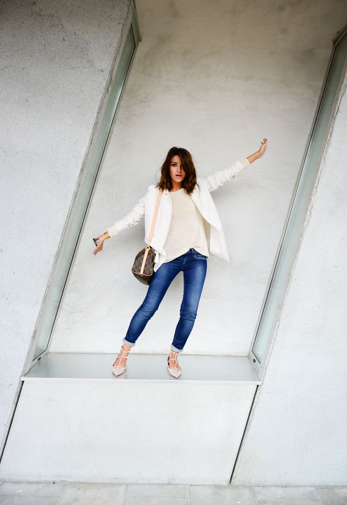 white blazer + beige sweater + blue jeans rolled + valentino studded nude flats + lv speedy bandouliere 25