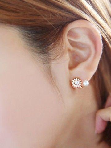 Eliza Sparkling Stone Stud Earrings