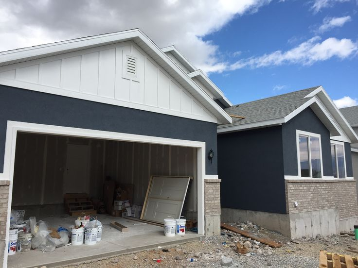 Navy blue stucco color sherwin williams sw 6251 - Sherwin williams outerspace exterior ...