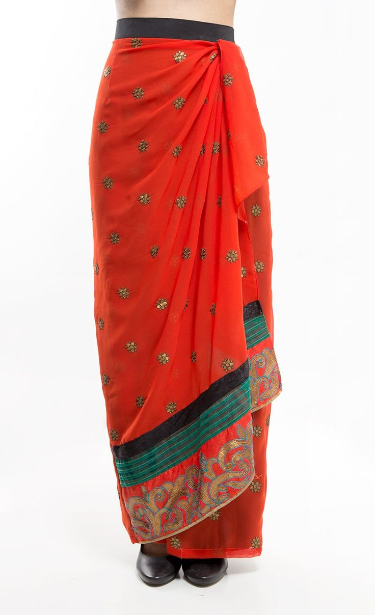 Indian Skirt Red by Sun, Songs, and Circus. Long skirt with detail on wasit and with pattern on below of the skirt. The skirt has flower pattern that make this skirt looks more elegant. http://www.zocko.com/z/JJsam
