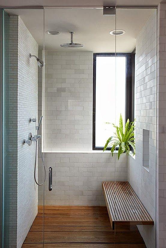 Óóóó. Zuhany, fapadló, fapad. Csak egy kád hiányzik az ablak alól és némi szürke szín a falakról.  La Maison Boheme: Glass Shower Ideas