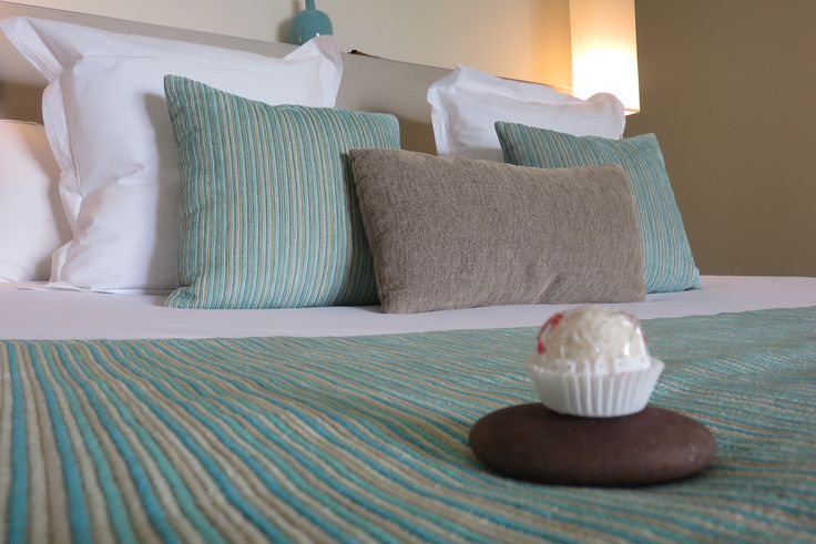 Treats on the bed at George's Culinary retreat, VIC | by http://qosy.co