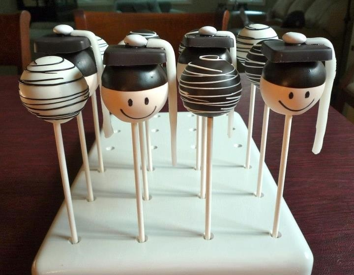 Graduation Cake Pops, by Jill's Pop Shoppe