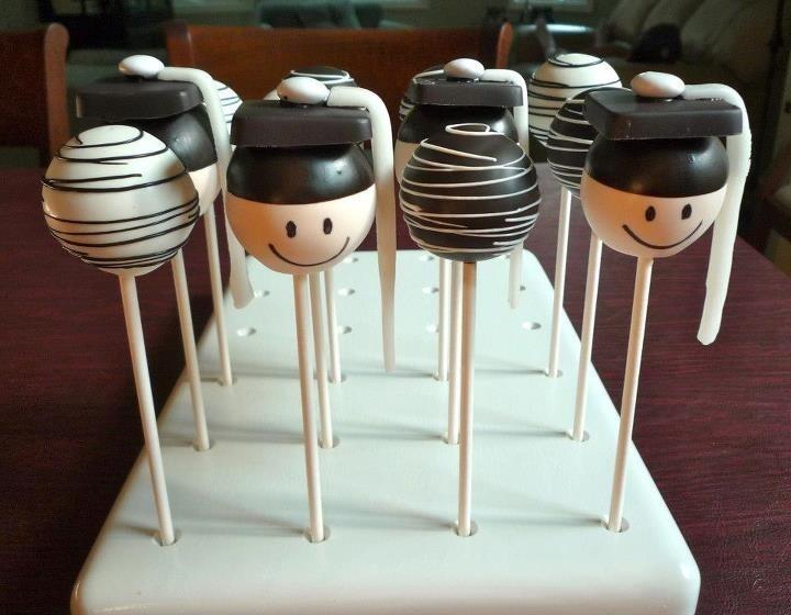 Graduation Cake Pops, by Jill's Pop Shoppe