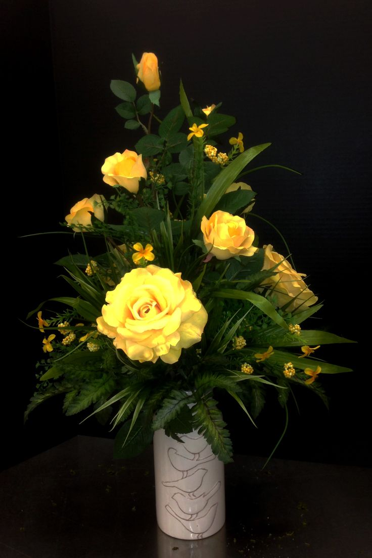 traditional yellow rose arrangement