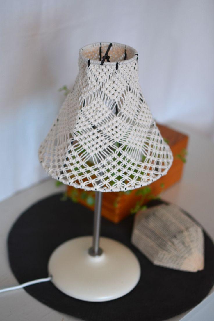 Lampskärm i makramé