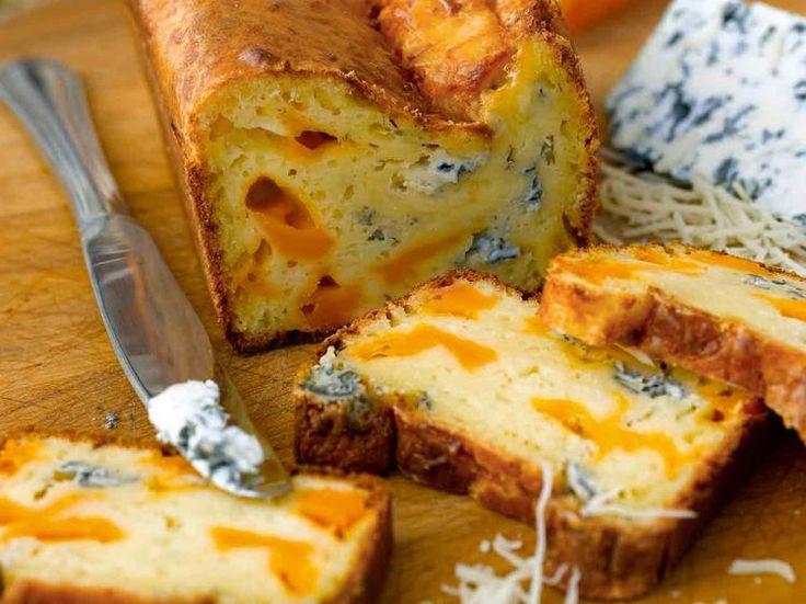 Avec les lectrices reporter de Femme Actuelle, découvrez les recettes de cuisine des internautes : Cake de Sophie aux trois fromages
