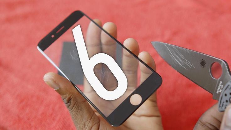 The Sapphire Crystal screen of the future iPhone 6 is put to the test by MKBHD, withstanding knives, keys, and more