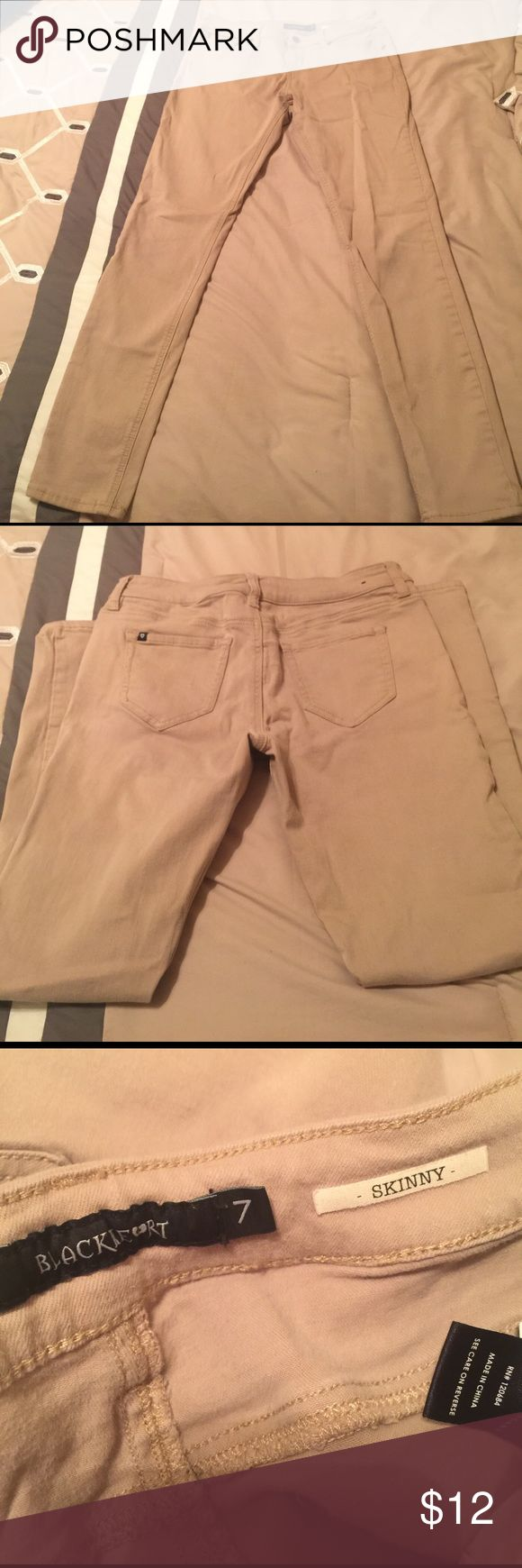 Blackheart khaki skinny jeans 'hot topic' size 7 Size7. Skinny jean. Amazing condition Hot Topic Jeans Skinny