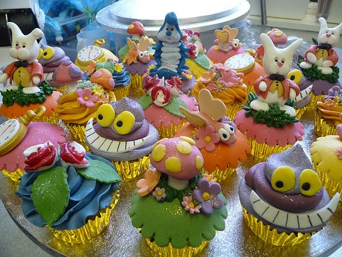 Alice in Wonderland Cupcakes by obliviousfire, via Flickr: Wonderland Cupcakes, Obliviousfire, Flickr, Alice In Wonderland, Cupcake Art, Adorable Alice, Photo, Wonderland Cakes