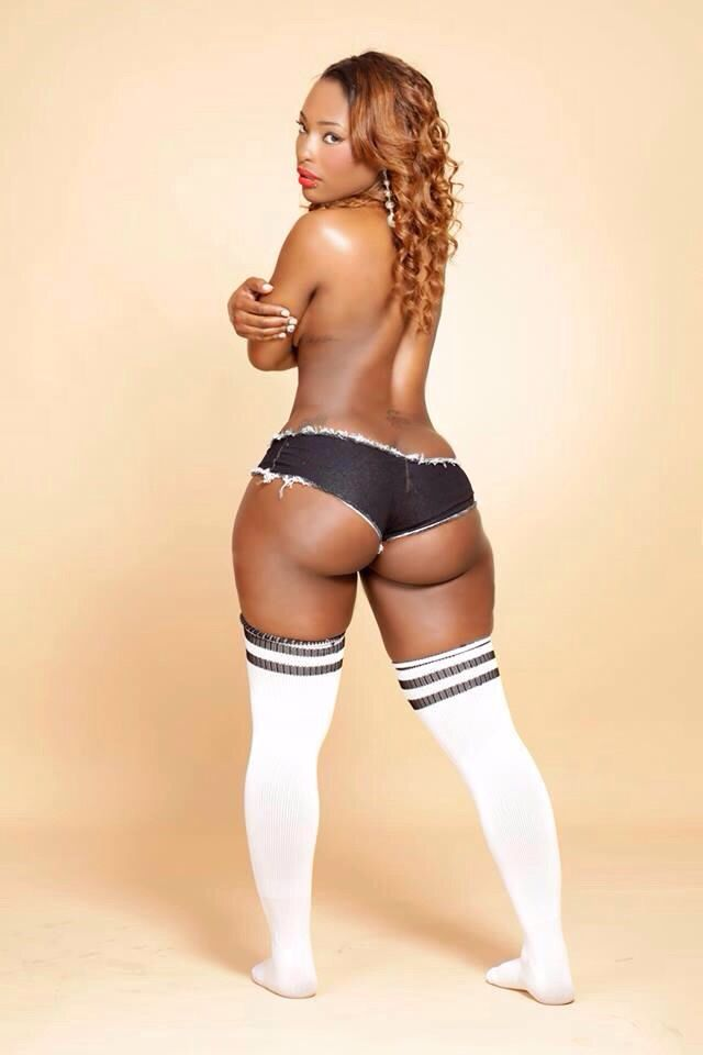 Naked sexy ebony woman