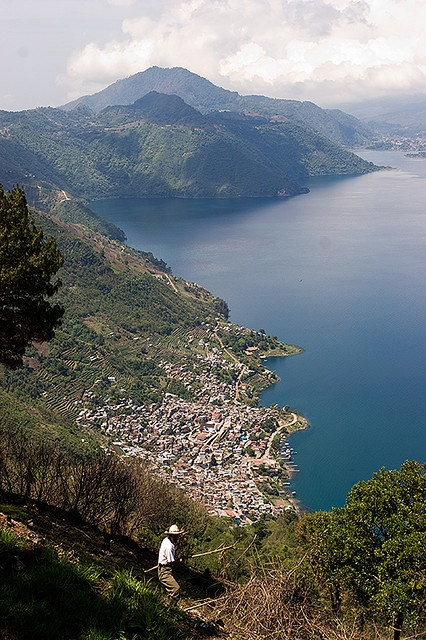 Lago Atitlán, Panajachel, Guatemala.  Photo: Marc Hors, via Flickr