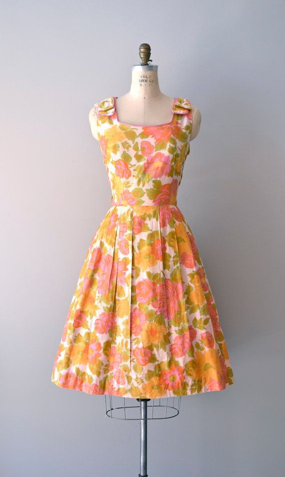 1950s Bright Gerbaria dress    #vintage #vintagedress #1950s
