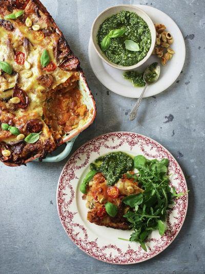 Jamie Oliver, Friday Night Feast. John Bishop's ultimate veggie lasagne