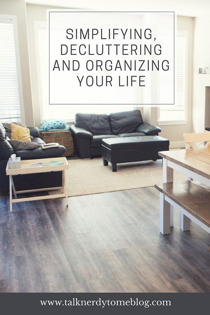 Are you looking to declutter, simplify and organize your life? These are some simple tips to try out for meal planning, purging your closet and organizing your home with kids!
