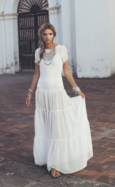 Perfect outfit - All white with statement jewelry #maxidress  #bohoglam